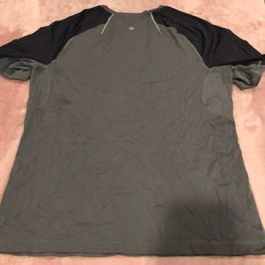 Lululemon men's shirt